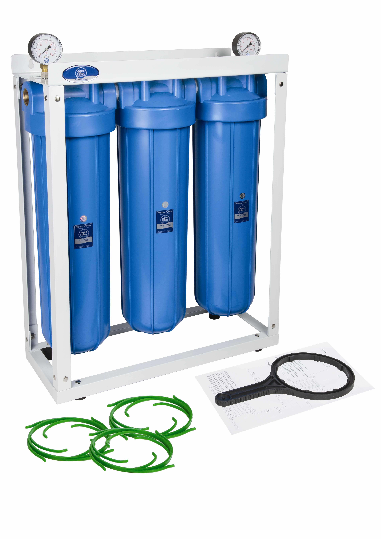 57fe16732b5e Фильтр Aquafilter из 3-х корпусов типа 20 BB на стеллаже. Комплексная  очистка больших
